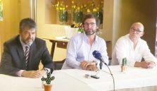 Dinar amb el president i vicepresident de Fener Boulevard